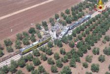 Италиядә ике пассажир поезды бәрелешкән [фото,видео]