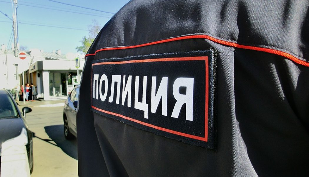 Чаллыда полиция урамда кешеләргә пычак белән һөҗүм итеп йөрүчене эзли