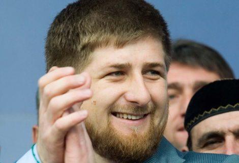 Рамзан Кадыров яулыклы кызларны яклап Русия министрына каршы чыкты