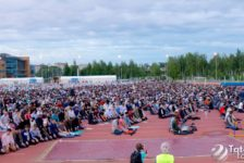 "Республика ифтары: 10 мең кеше, 3 тонна пылау һәм ""Казан Арена""ны сагыну"