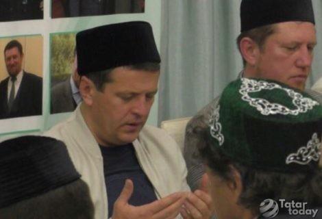 Казан мэры «Ярдәм» мәчетендә ифтар уздырды [фото]
