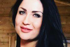 Илсөя Бәдретдинова Мамадышта герь күтәрүче кызларны күреп шаккаткан [видео]