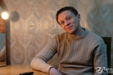 Эмиль Талипов: «Сникерс», «Марс» кебек шоколадларны телевизордан гына күрдек»