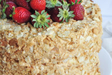23 февральгә торт: моннан җиңелрәк рецепт була алмый