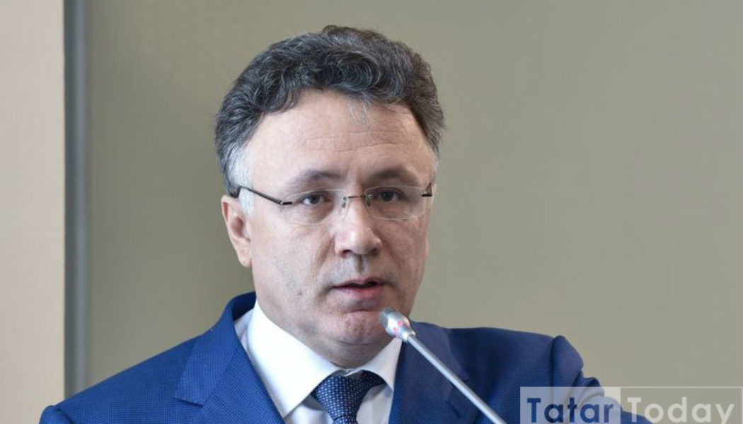 Илшат Әминов Конституцияне үзгәртүне сорый