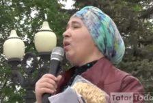 Казанда протест митингына чәк-чәк күтәреп киләләр [видео]