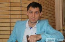 Фирдүс Тямаев үзенең ураза тотуы турында сөйли