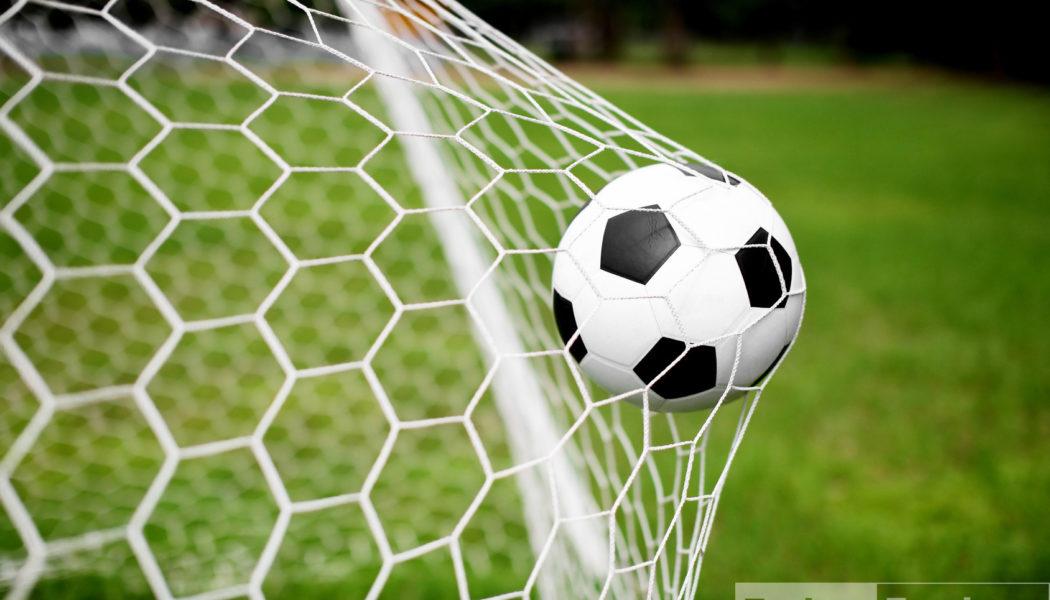 Футбол килеп чыгу тарихы: ирләр кебек киенгән, сакал-мыеклы хатын-кызлар