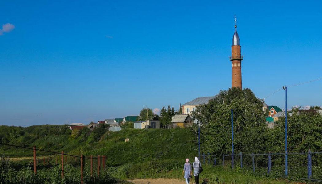 ТНВдан күрсәтү өчен татар авылларында нинди кызыклы әйбер табып була, шуны эзлиләр