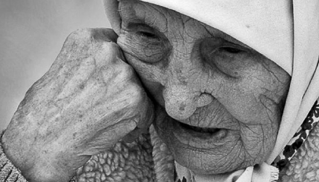 """Азнакайда 84 яшьлек әби: """"Балаларым күчтәнәч өчен дә акча сорый"""" – Акчарлак"""